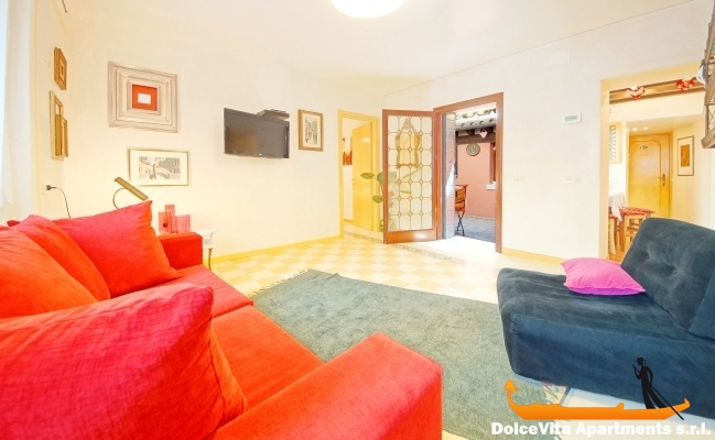 Cheap Apartment In Venice With Air Conditioning
