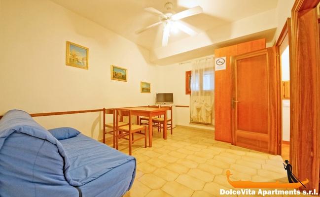 Cheap Apartment In Venice Cannaregio For 5