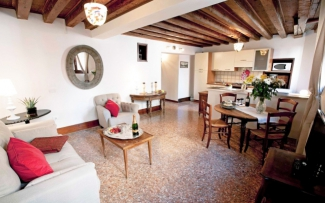 Venice Apartment N.106