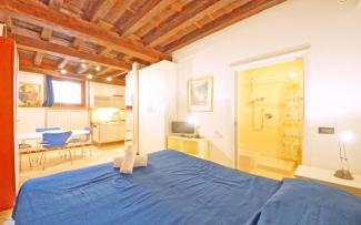 Venice Apartment N.117