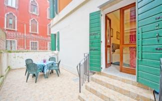 Venice Apartment N.124