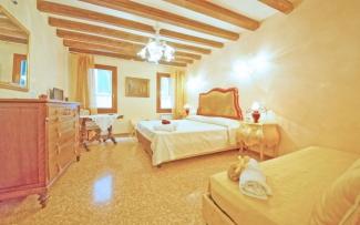 Venice Apartment N.187