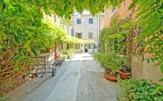 Venice Apartment N.276