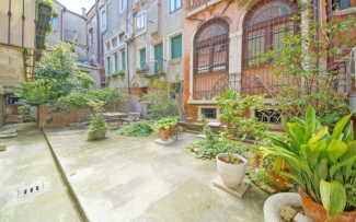 Venice Apartment N.328