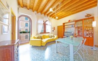 Venice Apartment N.333
