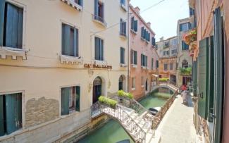 Venice Apartment N.347