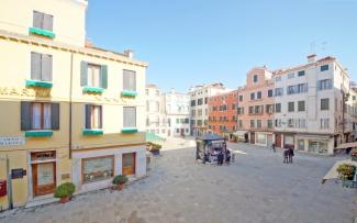 Venice Apartment N.364