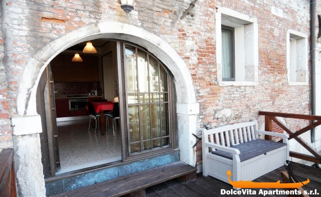 Attractive Grand Canal Apartment In Venice With Terrace U2022 VeniceApartmentsItaly.com/us/