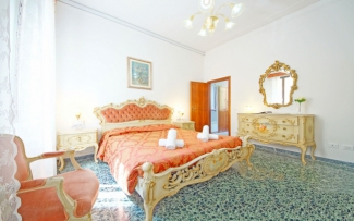 Venice Apartment N.183