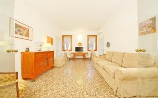 Venice Apartment N.204