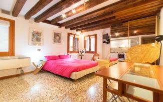 Venice Apartment N.206