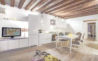 Venice Apartment N.222