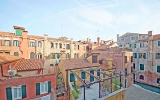 Venice Apartment N.270