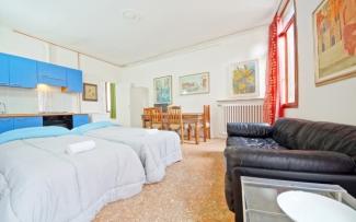 Venice Apartment N.298