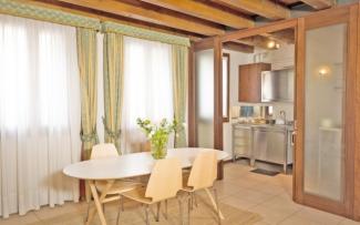 Venice Apartment N.302