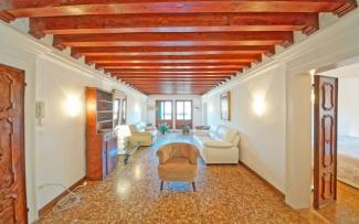 Venice Apartment N.344
