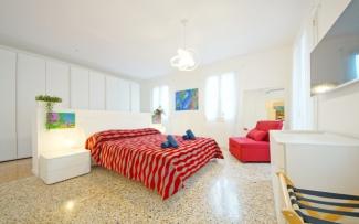Venice Apartment N.436