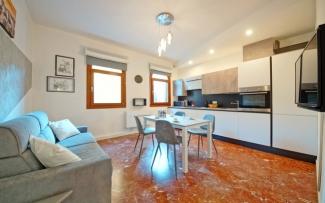 Venice Apartment N.439