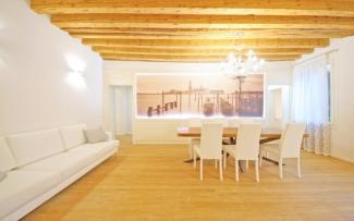 Venice Apartment N.449