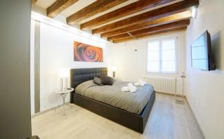 Venice Apartment N.451