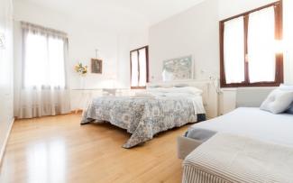 Venice Apartment N.477